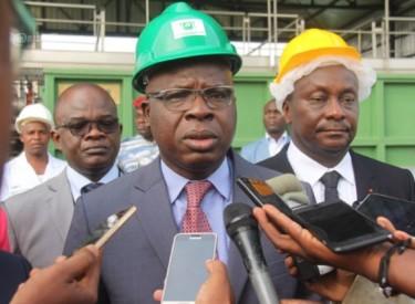Dégradation rapide de la voirie / Amédé K. Kouakou (Ministre des Infrastructures) : ''Il y a eu un problème de conception de la route que nous allons corriger''
