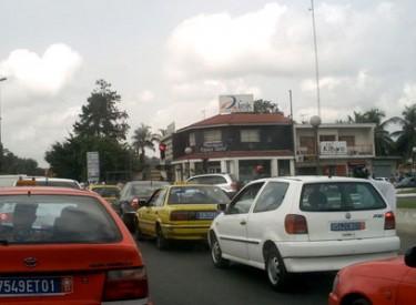 Deux-Plateaux : Un garçon meurt écrasé par un gros camion