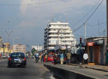 EnquêtE-ExprEss - Nouvelle taxe de stationnement à Marcory : Les automobilistes grognent