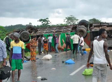 Autoroute - Grave accident de la route : 23 blessés dont 6 femmes et un enfant