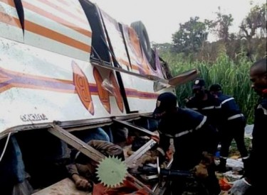 Dougba (19 km de Toumodi) : Un car se renverse dans un ravin - Des morts et des blessés graves