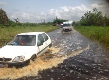 Fluidité routière / L'axe Abidjan-Dabou : La route est coupée en deux !