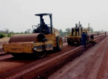 Le bitumage d'Odienné-Gbéléban bloqué par une grève des ouvriers dénonçant des