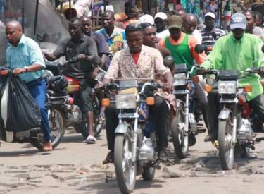 Les taxis motos interdits d'exercer à Abidjan