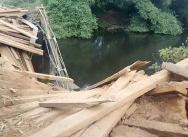 Le pont Yaka de Tabou cède sous le poids d'un gros camion de transport de marchandises