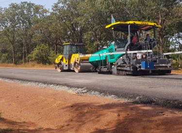 Reprise des travaux de la route Odienné-Gbéléban après cinq jours d'arrêt de travail