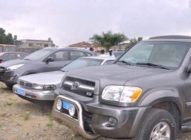 Véhicules immatriculés frauduleusement': des structures demandent la démission du Dg de la douane et du ministre des Transports