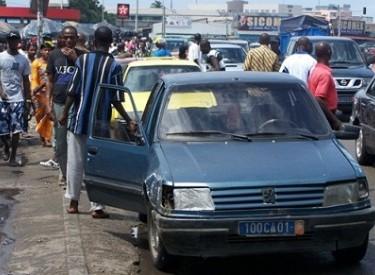 Transports urbains- Reprise de la guerre des syndicats à la machette, les véhicules en direction de la gare de Grand-Bassam bloqués